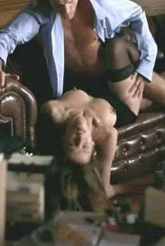 Обнаженная грудь Софи Марсо в фильме «Верность», 2000