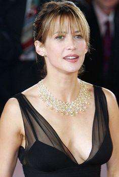 У Софи Марсо вылез сосок на европейском «Оскаре», 02.12.2006