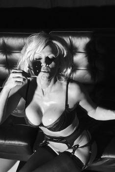 Памела Андерсон в белье для LOVE, 2014