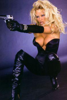Сексуальная Памела Андерсон для фильма «Не называй меня малышкой», 1996