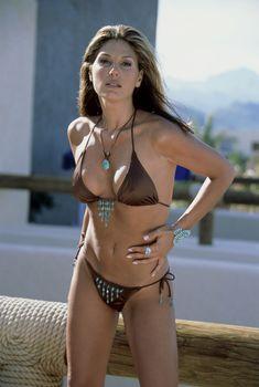 Дэйзи Фуэнтес в эротической фотосессии, 2011