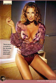 Эротичная Дэйзи Фуэнтес в журнале Maxim, 2002