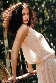 Ева Грин засветила грудь в журнале ELLE, Август 2005
