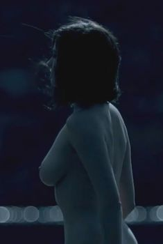 Голая Ева Грин в фильме «Трещины», 2009
