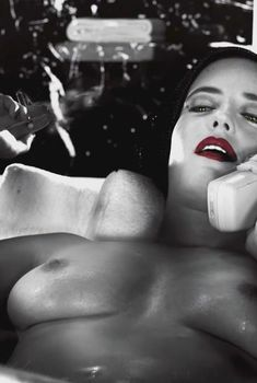 Голая Ева Грин в фильме «Город Грехов 2: Женщина, ради которой стоит убивать», 2014