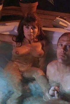 Голая Ава Каделл в фильме «Готовый убивать», 1993