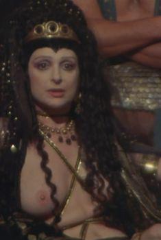 Голая Адриана Асти в фильме «Калигула», 1979