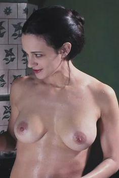 Голая Азия Ардженто в фильме «Дракула 3D», 2012