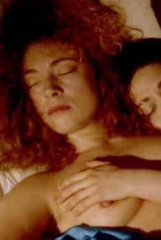 Голая Алекс Кингстон в фильме «Успехи и неудачи Молл Фландерс», 1996