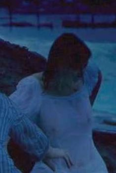 Александра Мария Лара засветила соски в фильме «Молодость без молодости», 2007