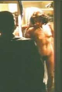 Голая Александра Пол в фильме «8 миллионов способов умереть», 1986