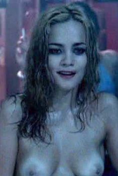 Алиси Брага снялась голой в фильме «Нижний город», 2005