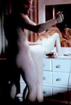 Голая Алисия Райнер в фильме «Злобный тип», 2009