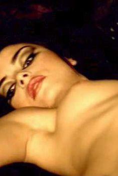 Голая Ана Мария Поупэ в фильме «Версия 1.0», 2003