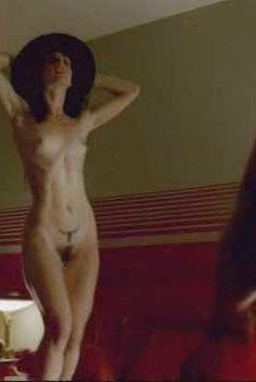 Полностью голая Ана де ла Регера в фильме «На грани», 2006