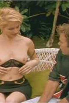 Голая Анджела Дейвис в сериале «Лучший секс в вашей жизни», 2002