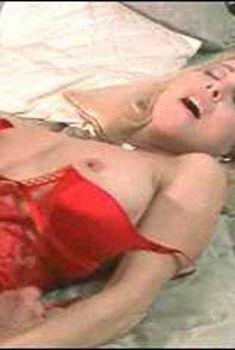 Голая Анджела Дейвис в сериале «Сексуальные игры Вегаса», 2005