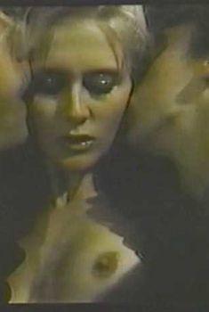 Голая Андреа Томпсон в фильме «Жиголо с Манхэттена», 1986