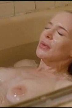 Голая Анна Левайн в фильме «Еда и женщины на скорую руку», 2000