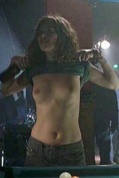 Анна Фрил показала голые сиськи в фильме «Мотель «Ниагара»», 2005