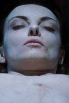 Голая Аполлония Ванова в фильме «Смертельный удар», 2008