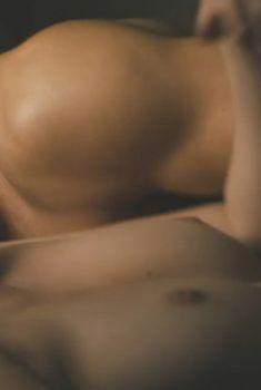 Бланка Суарес засветила голую грудь в фильме «Короли рулетки», 2012