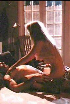 Голая Бо Дерек в фильме «Разбитая интрига», 1994