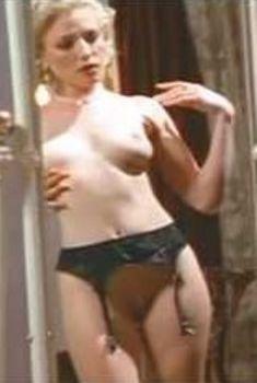 Голая Брэнди Дэвис в сериале «Эротические признания», 1994