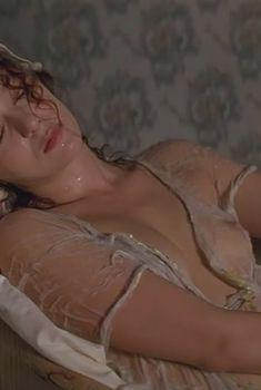 Голая Валерия Голино в фильме «Бессмертная возлюбленная», 1994