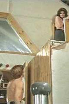 Ванесса Редгрейв топлесс в фильме «Фотоувеличение», 1966
