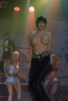 Шикарная голая грудь Венди Хэмилтон в фильме «Проект Даллас», 1994