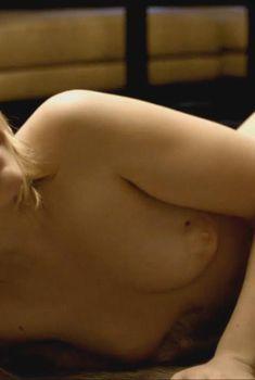 Голая Виктория Винги в сериале «Лиллехаммер», 2012