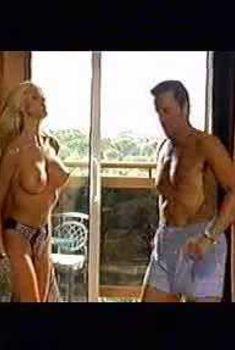 Голая грудь Виктории Сильвстедт в сериале «Телохранители», 1996