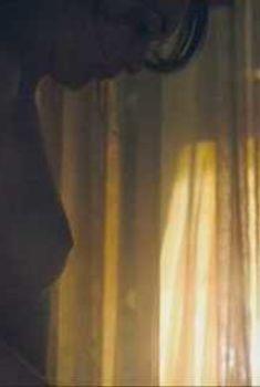 Голая Виктория Хилл в фильме «Декабрьские мальчики», 2007