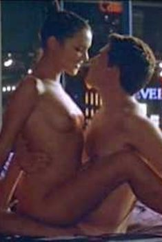 Виржини Ледуайен снялась голой в фильме «Жанна и отличный парень», 1998