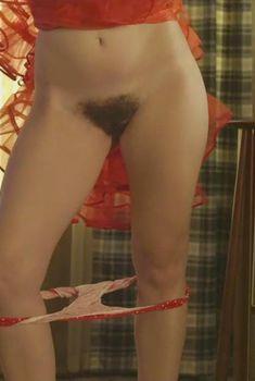Голая Габи Хоффманн в сериале «Очевидное», 2014