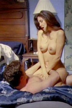Голая Габриэлла Холл снялась в эро фильме Passion and Romance Scandal, 1997