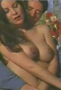 Голая Габриэлла Холл в сериале «Сказки на ночь», 2000