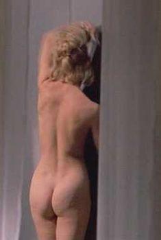 Голая попка Голди Хоун в фильме «Эй! В моем супе девушка», 1970