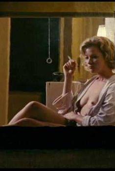 Голая Гретхен Мол в фильме «Американская интрижка», 2008