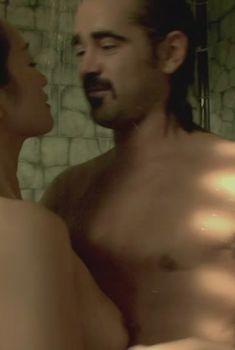 Голая грудь Гун Ли в фильме «Полиция Майами. Отдел нравов», 2006