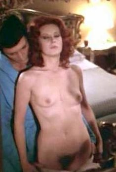 Абсолютно голая Дагмар Лассандер в фильме «Дочь оборотня», 1976