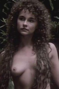 Аккуратная голая грудь Дайан Франклин в фильме Second Time Lucky, 1984