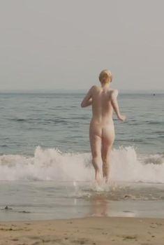 Голая Дакота Фаннинг в фильме «Очень хорошие девочки», 2013
