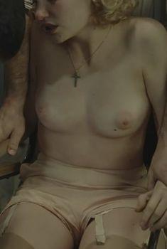 Дебора Франсуа снялась голой в фильме «Женщины-агенты», 2008