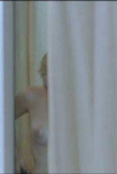 Дебора Франсуа засветила грудь в фильме «Ассистентка», 2006