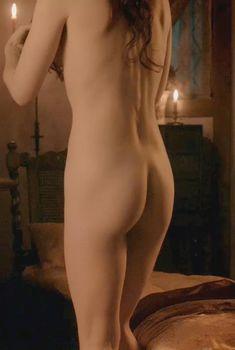 Голая Джанет Монтгомери в сериале «Салем», 2014