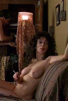 Голая Джейд Бэрримор в фильме «Последние дни диско», 1998