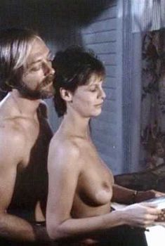 Голая Джейми Ли Кёртис в фильме «Любовные письма», 1983
