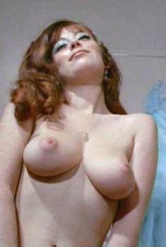 Голая Дженни Линн в фильме «Попасть на небеса», 1970